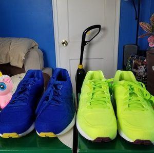 2 pair of puma tennis sneakers Men's.